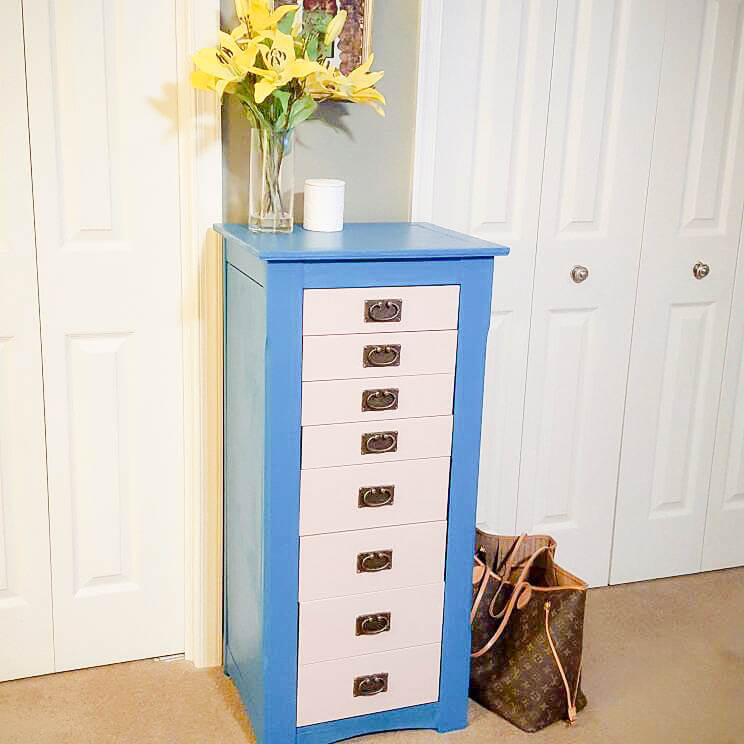 Beautiful and Chic Jewelry Armoire
