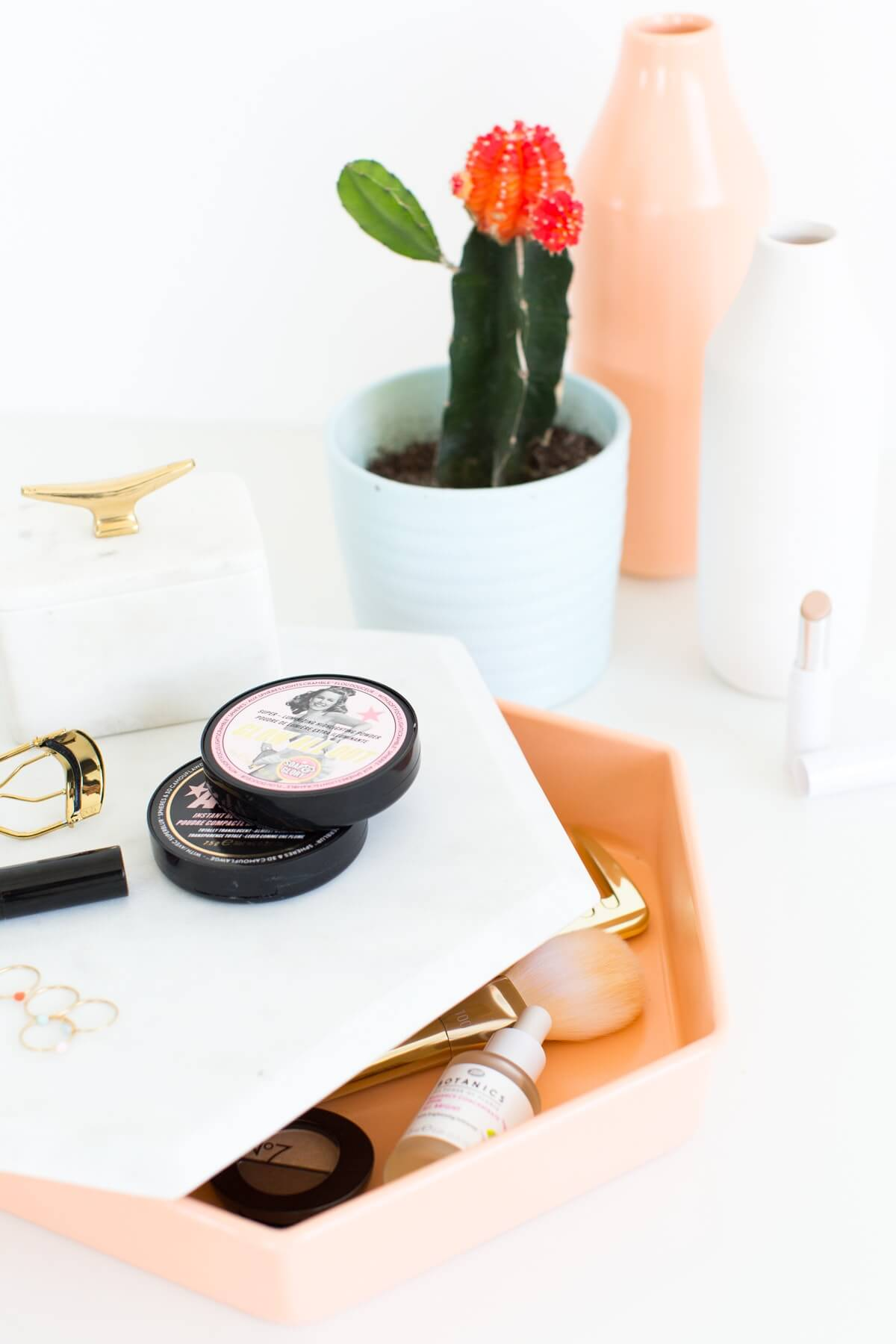 Charming and Cute Hexagon Cosmetic Tray