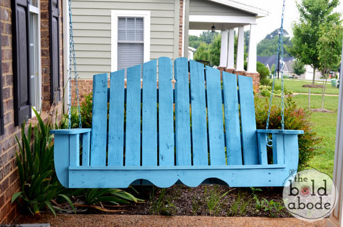 Cute Painted Pallet Porch Swing
