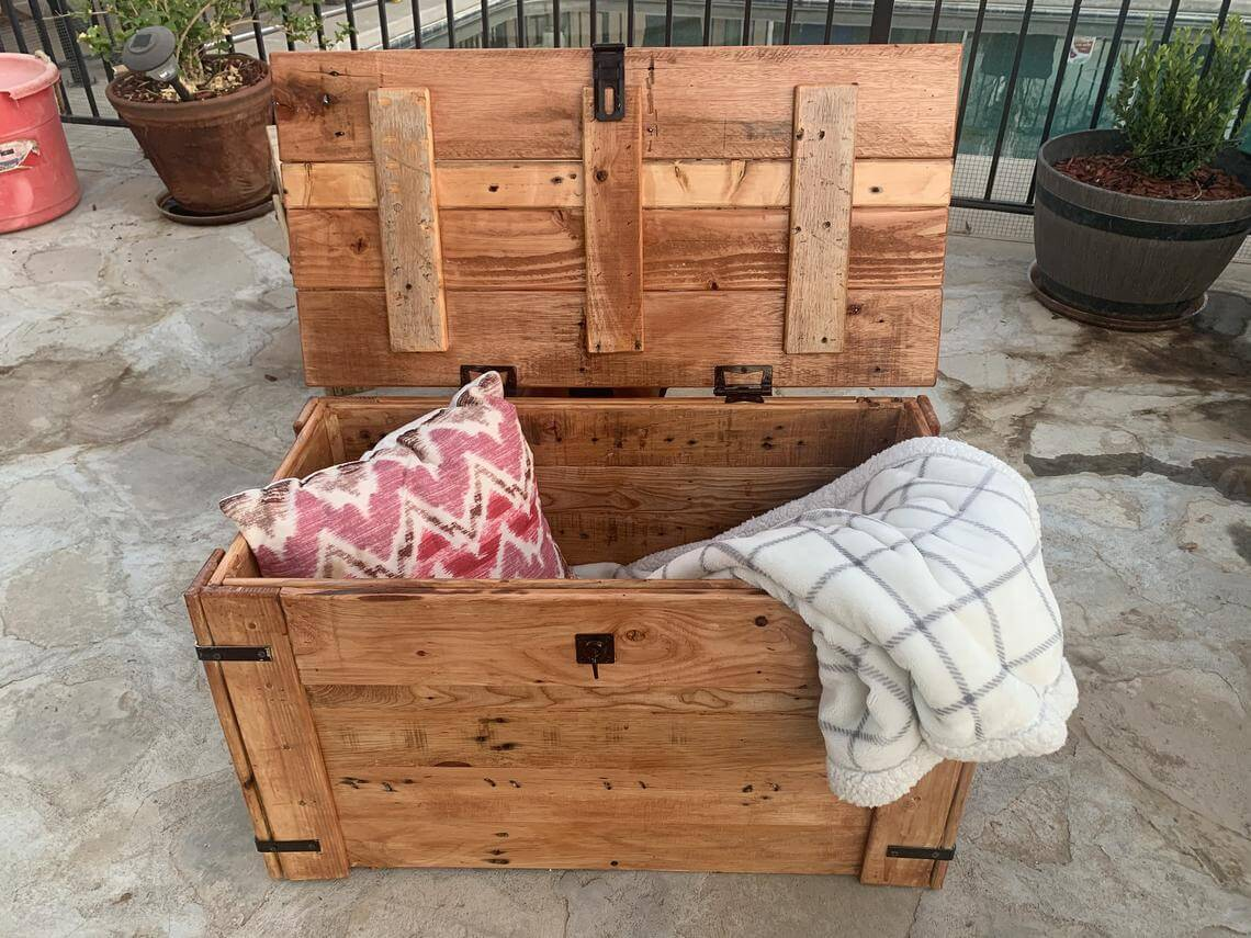 Recycled Handmade Pallet Wooden Chest