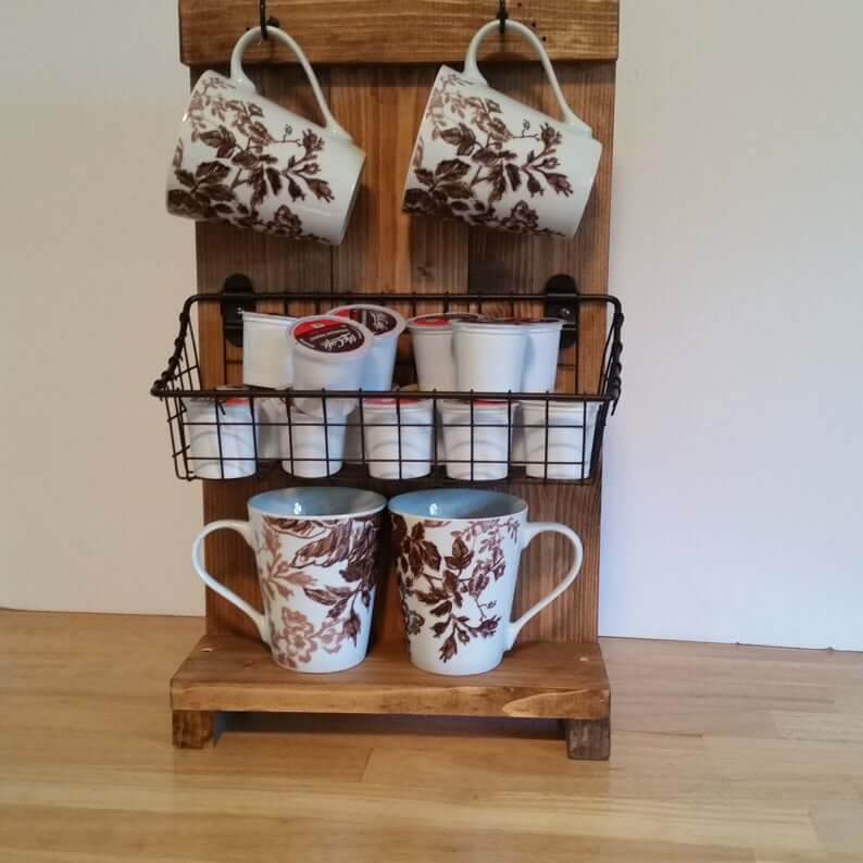 Tabletop Wooden Mug Hangout with Wire Basket