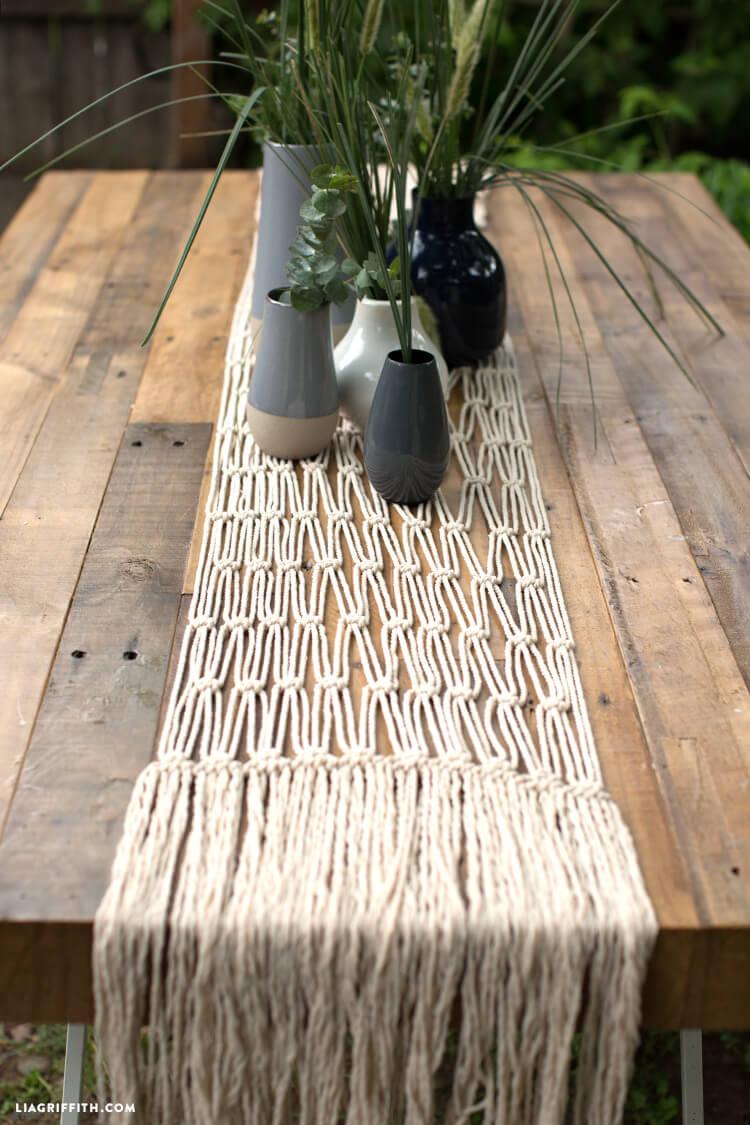 Gorgeous Table Runner Macrame Decoration