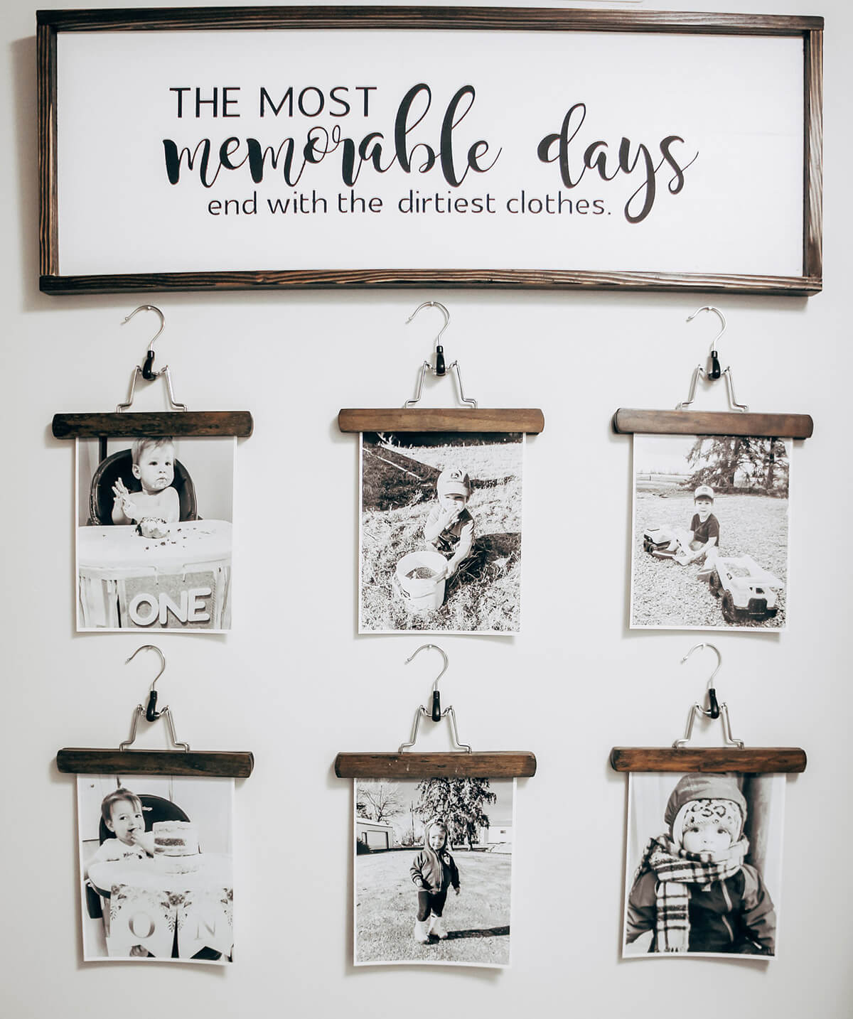 Adorable Laundry Themed Hanger Picture Holder Set