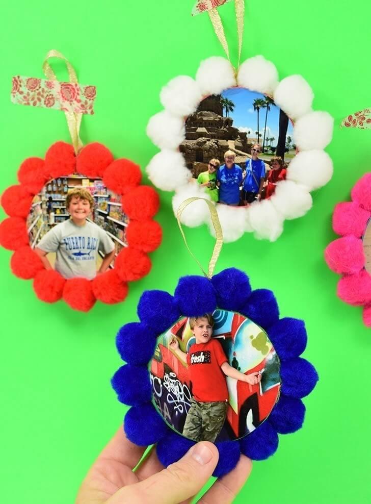 Kid-Friendly Pom Pom DIY Photo Ornaments