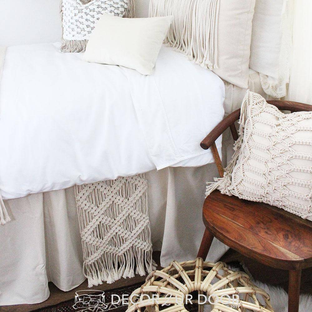 Beautiful Bohemian Bedroom Accessories of Macrame