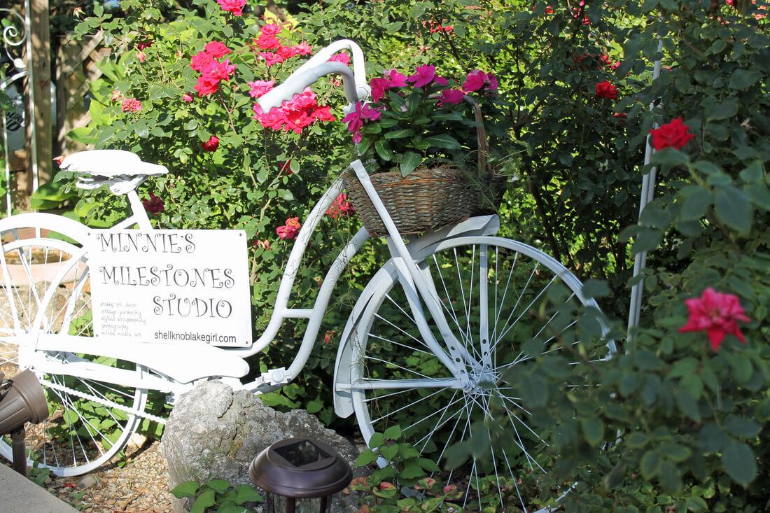 Vintage Bike with Flower Basket Yard Sign