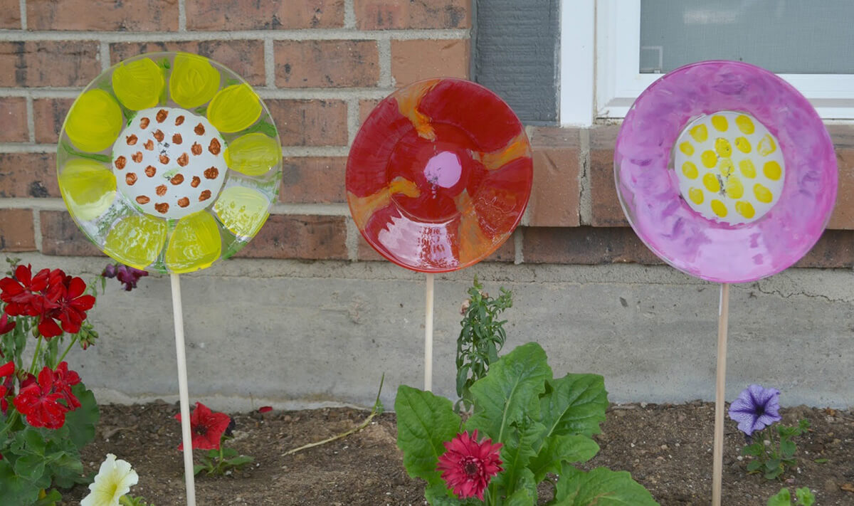 Painted Plate Floral Garden Stakes