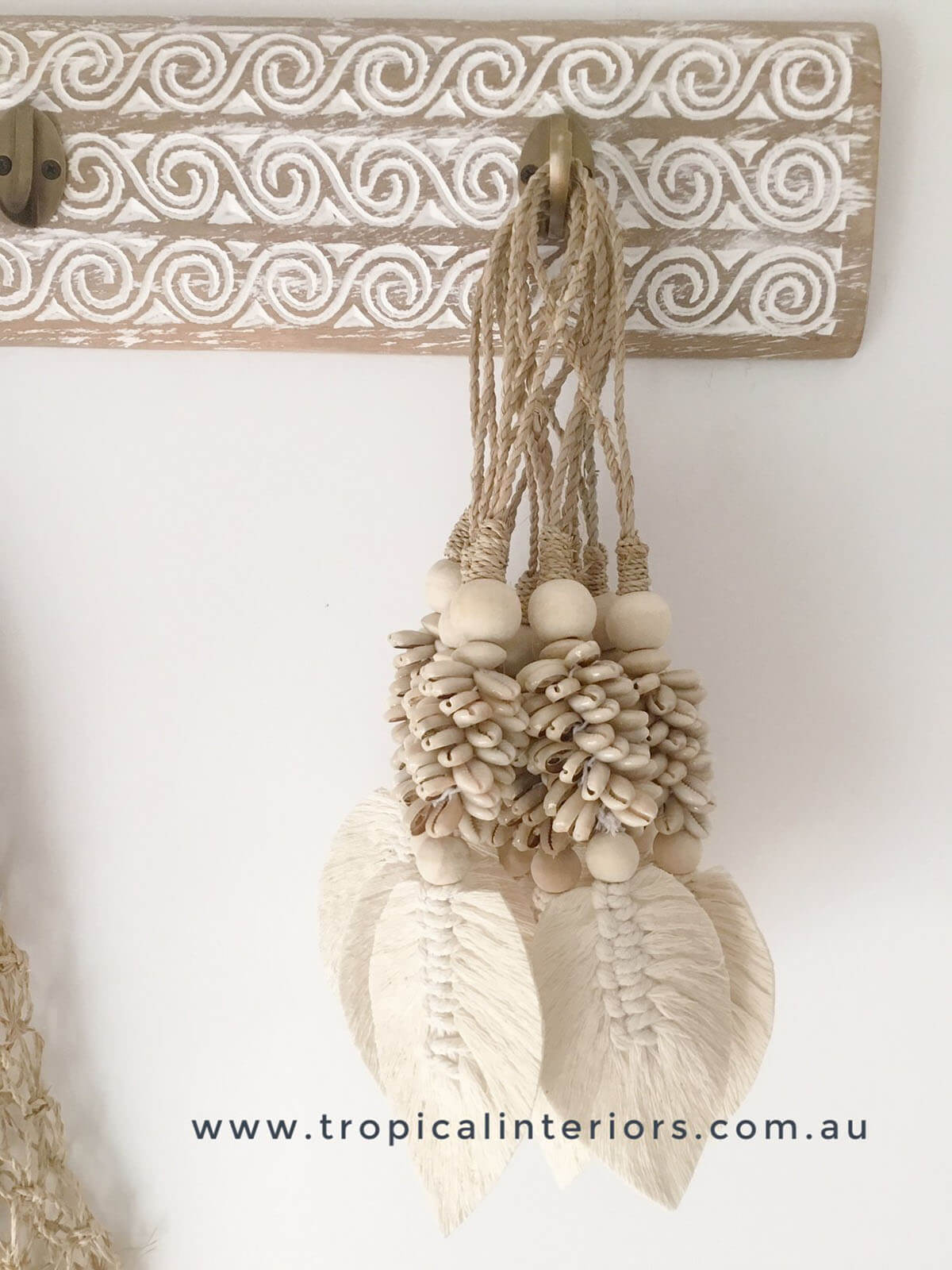 Tropical Leaf and Shell Tassel Decoration