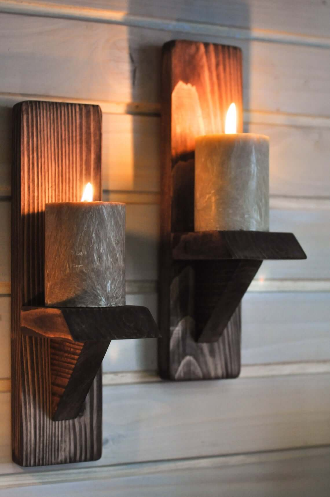 Rustic and Simple Wooden Wall Sconce
