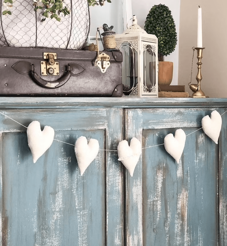 Cute Heart Shaped Garland Bedroom Decor