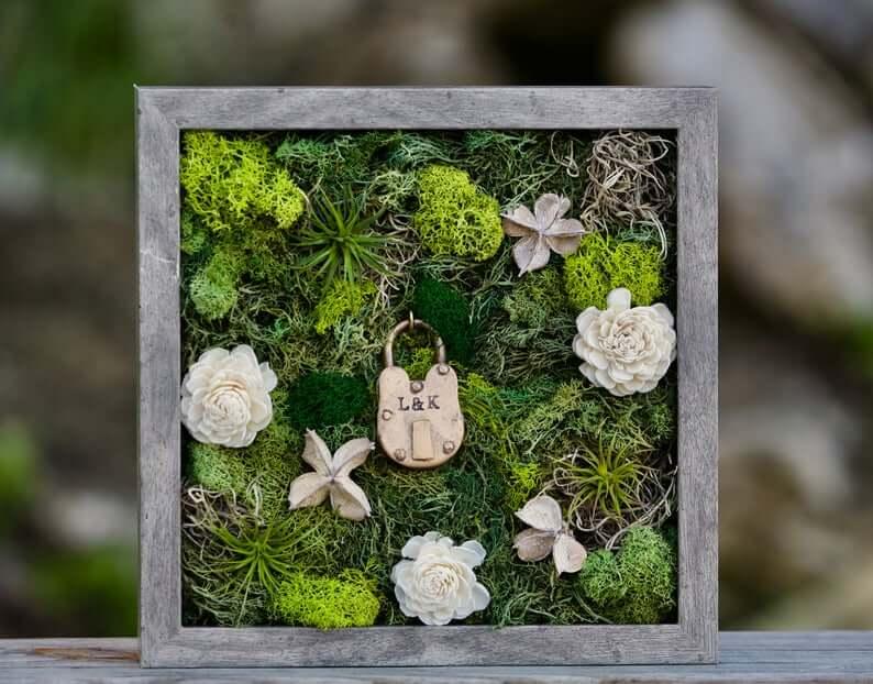 Beautiful Moss Locket Memory Box