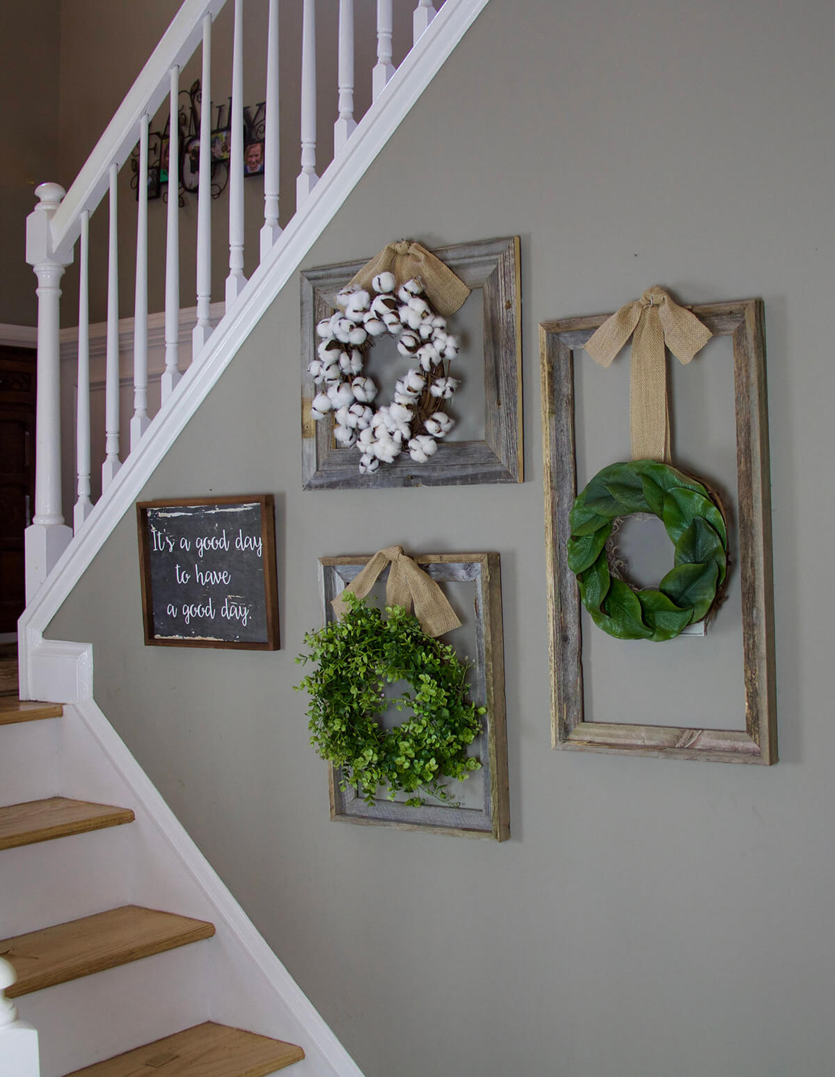 Subtle Frames for Beautiful Wreaths