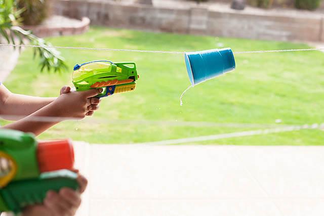 Fun Water Gun Cup Race