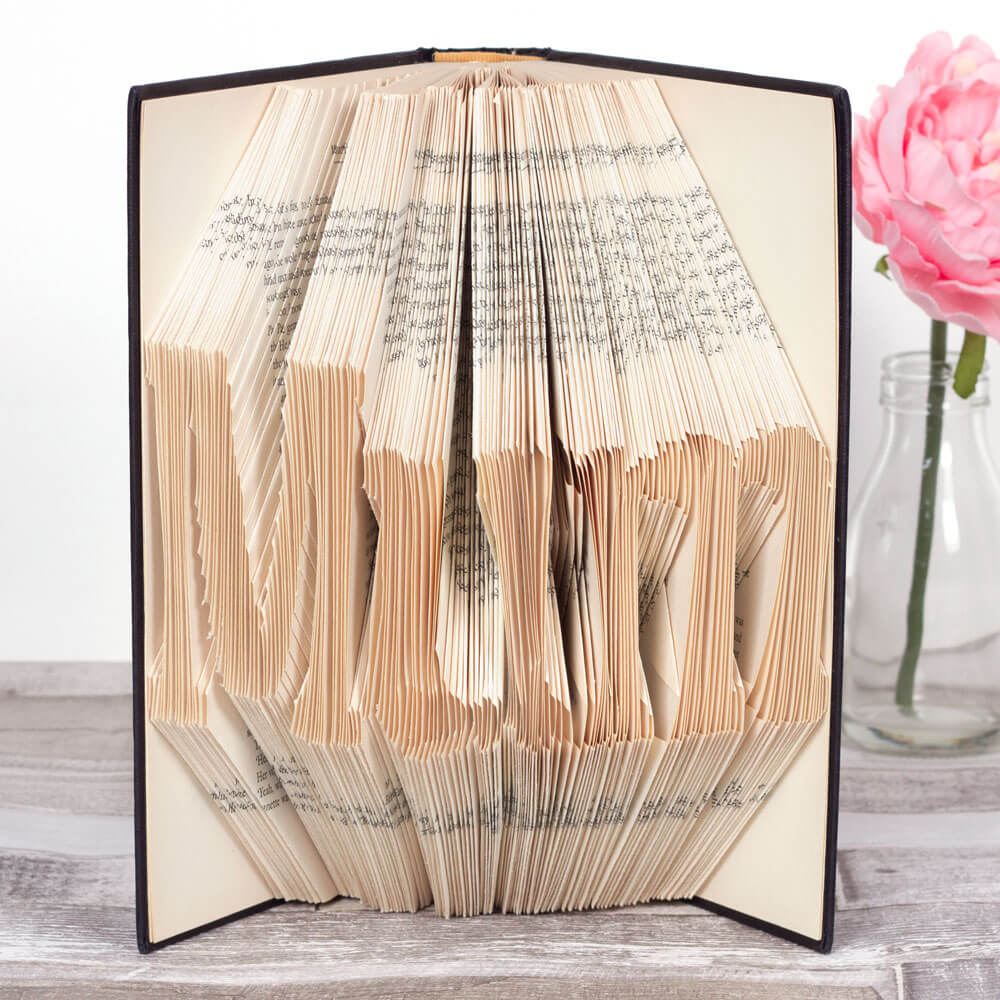 Beautiful Folded Pages Book Décor
