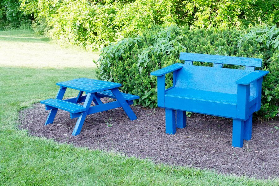 Colored Picnic Setting for the Whole Family