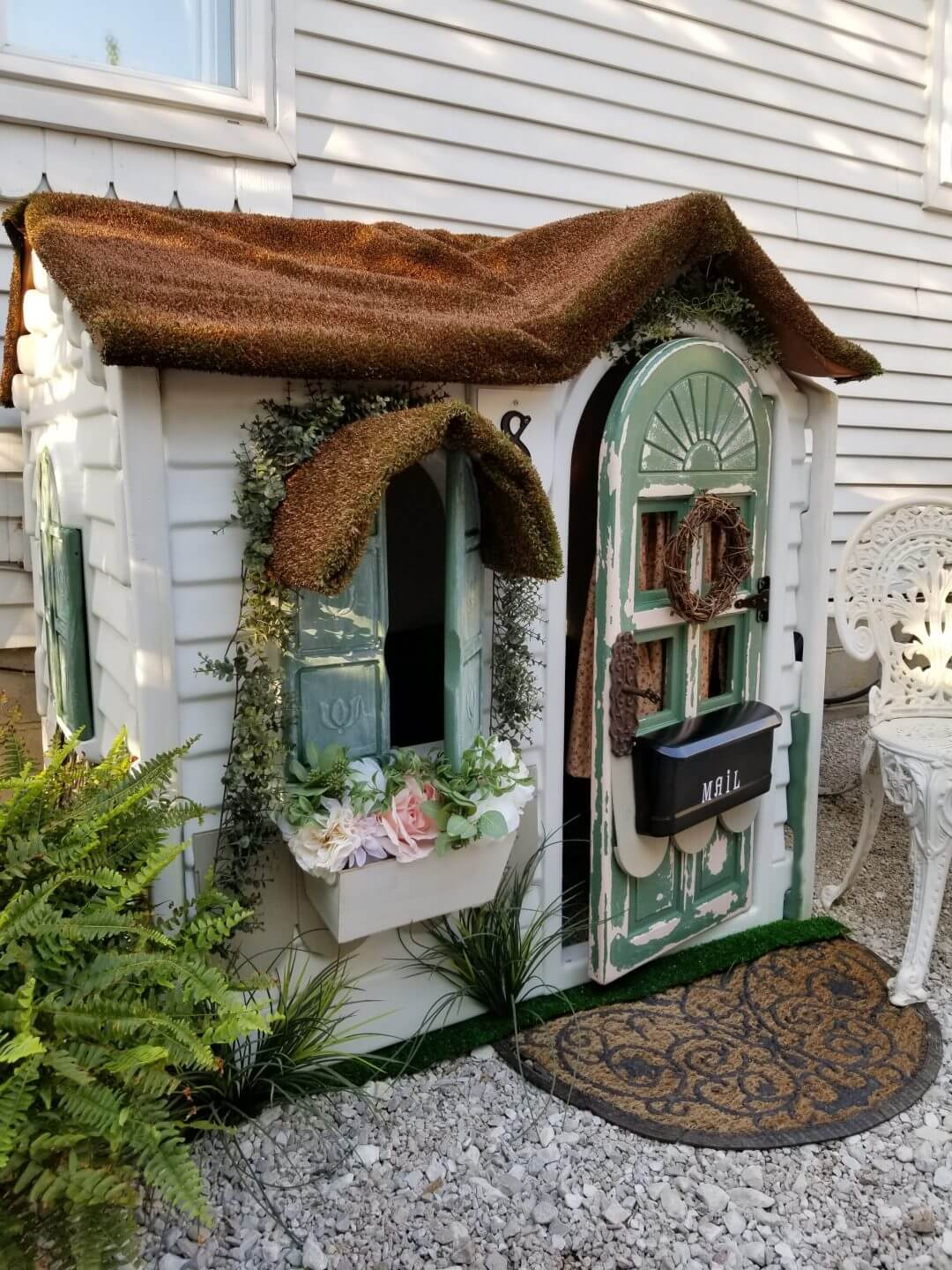 DIY Cozy Cottage Style Playhouse