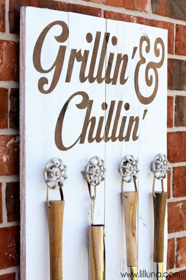 Chillin and Grillin BBQ Grill Master Sign