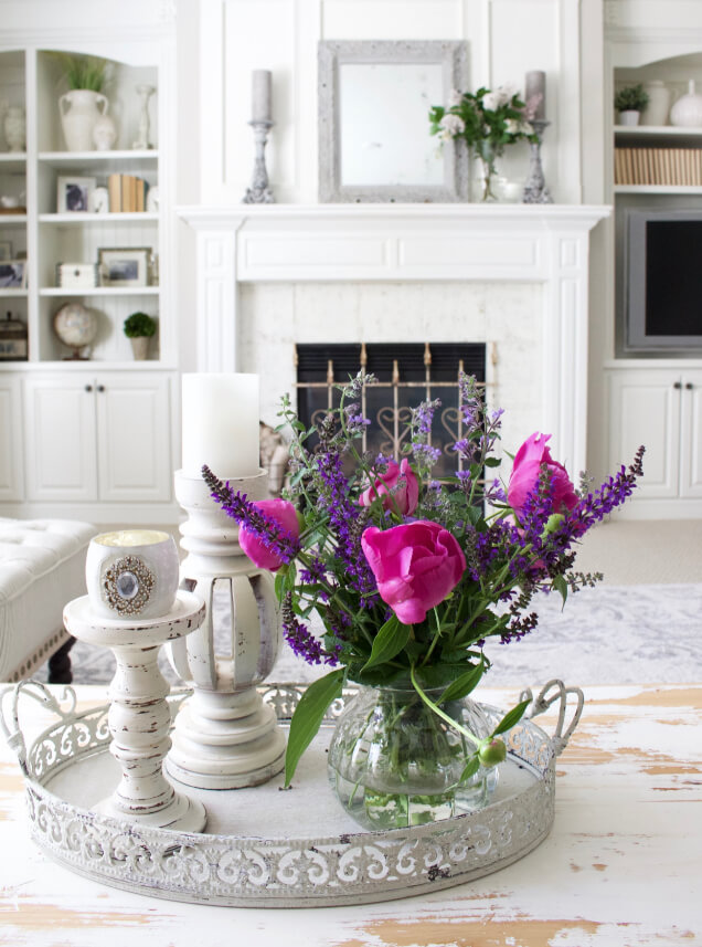 Circular Scrolled Edge Tray with Vase Centerpiece