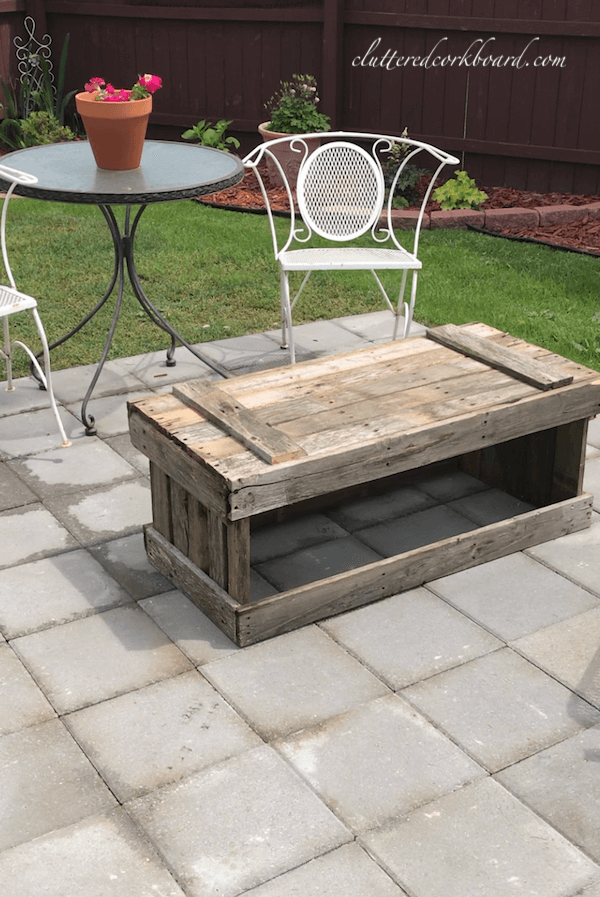 Distressed Wooden Outdoor Pallet Coffee Table