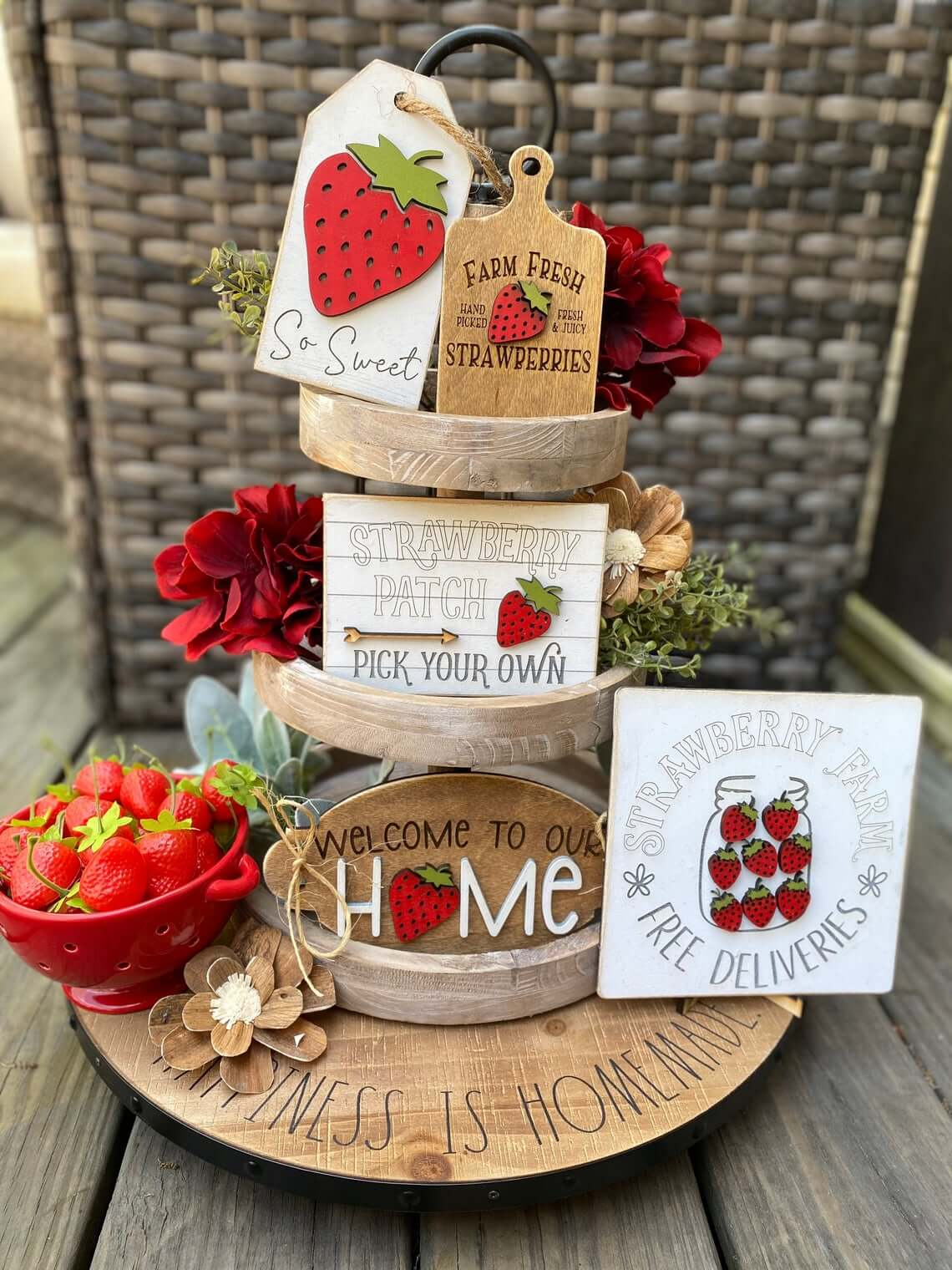 Mix and Match Strawberry Tray Décor