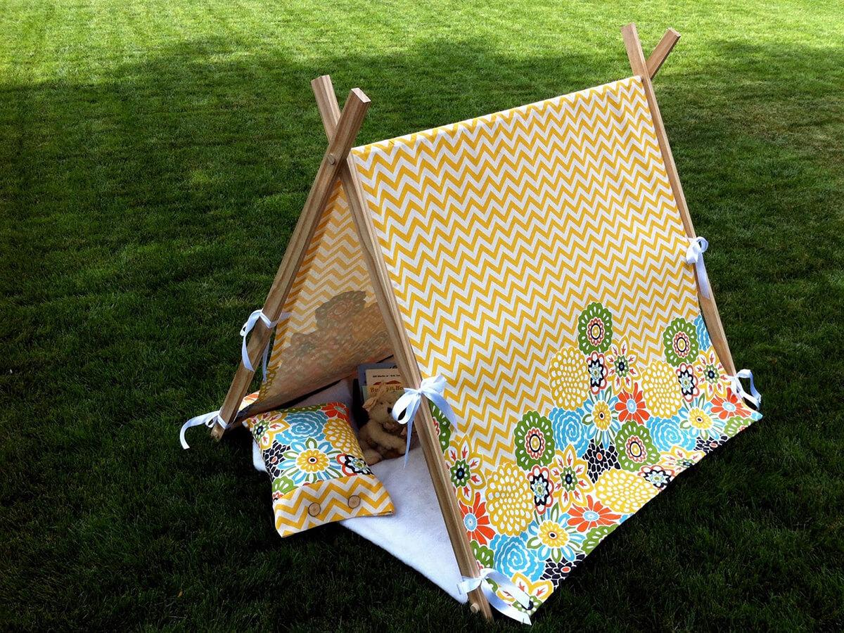 Cute Hideaway Playhouse Tent Design