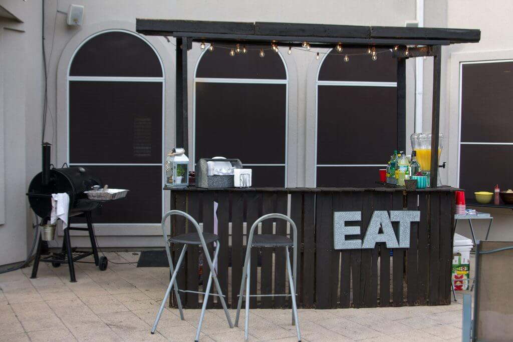 Painted Black Outdoor Bar from Pallets