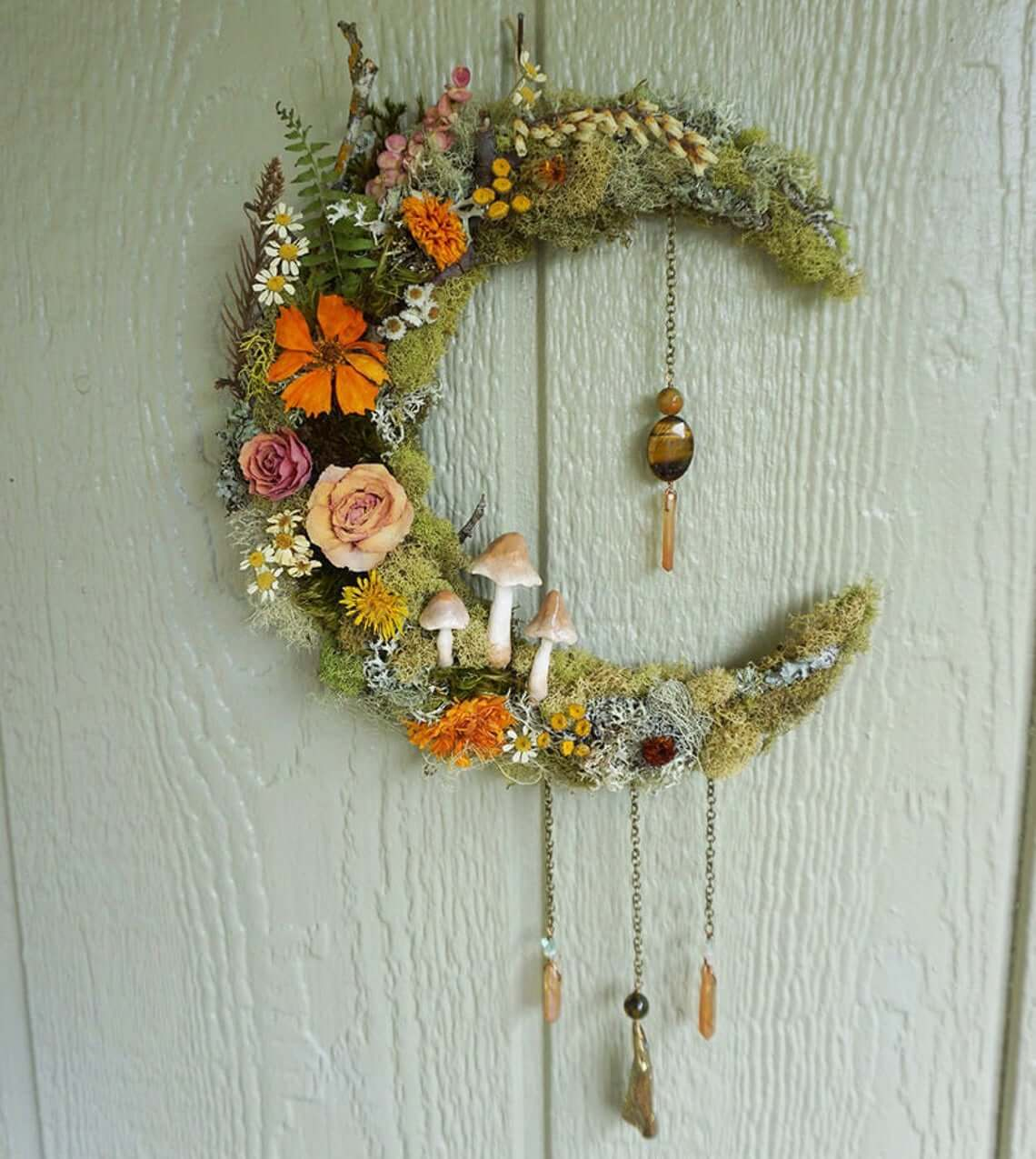 Vintage-inspired Decorative Mirror with Moss