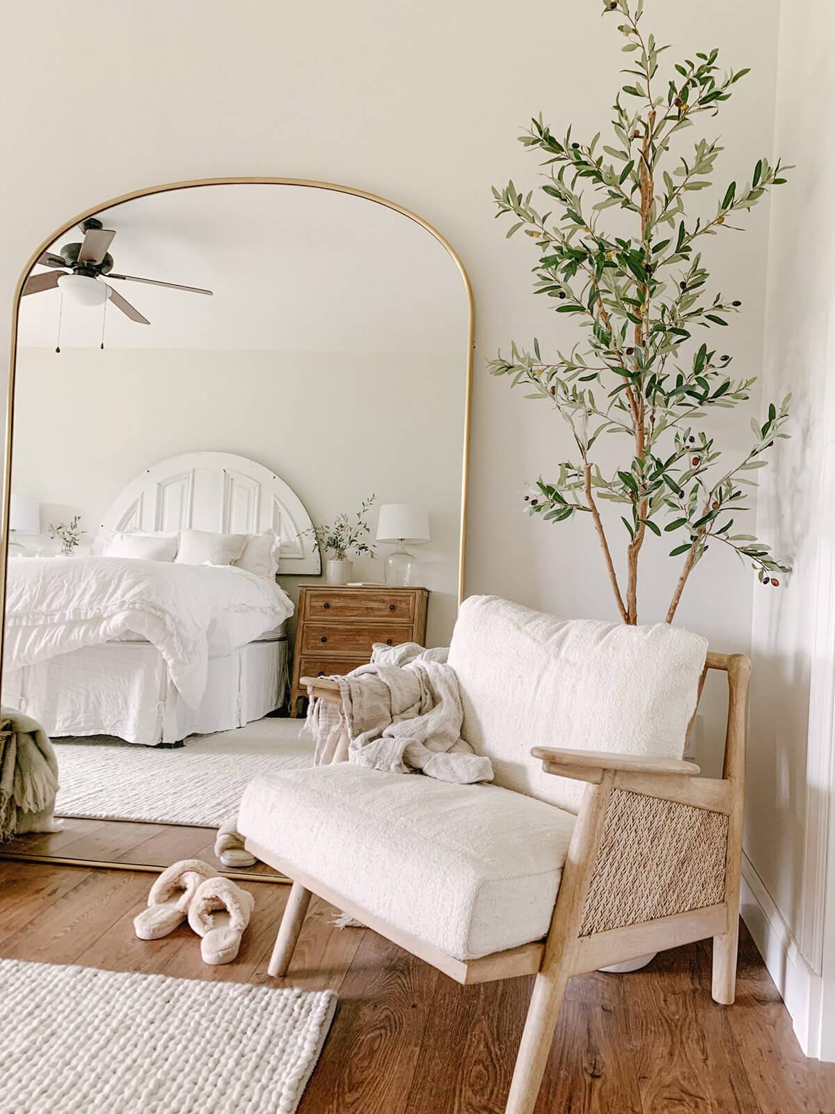 Laidback Scandi Bedroom Décor Idea