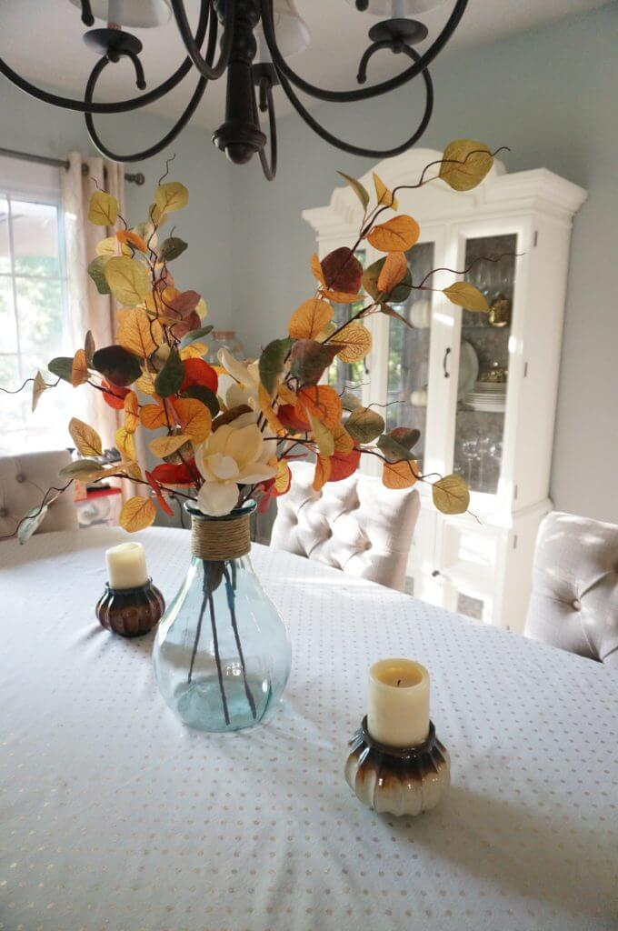Autumn Toned Free Flowing Table Centerpiece