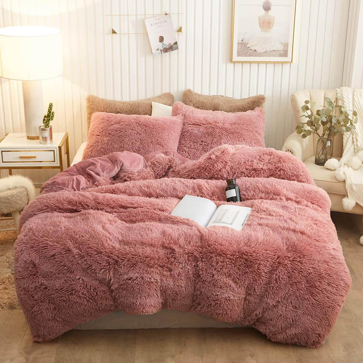 Fabulous Faux Fur Soft and Shaggy Duvet