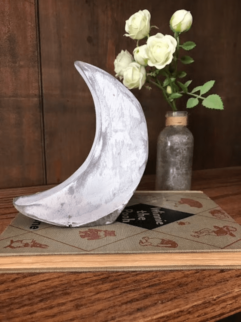 Wooden Crescent Moon Shelf Décor