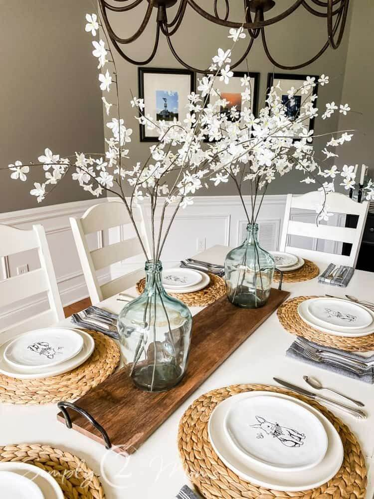 Perfect White Flower Tablescape for Modern Farmhouses