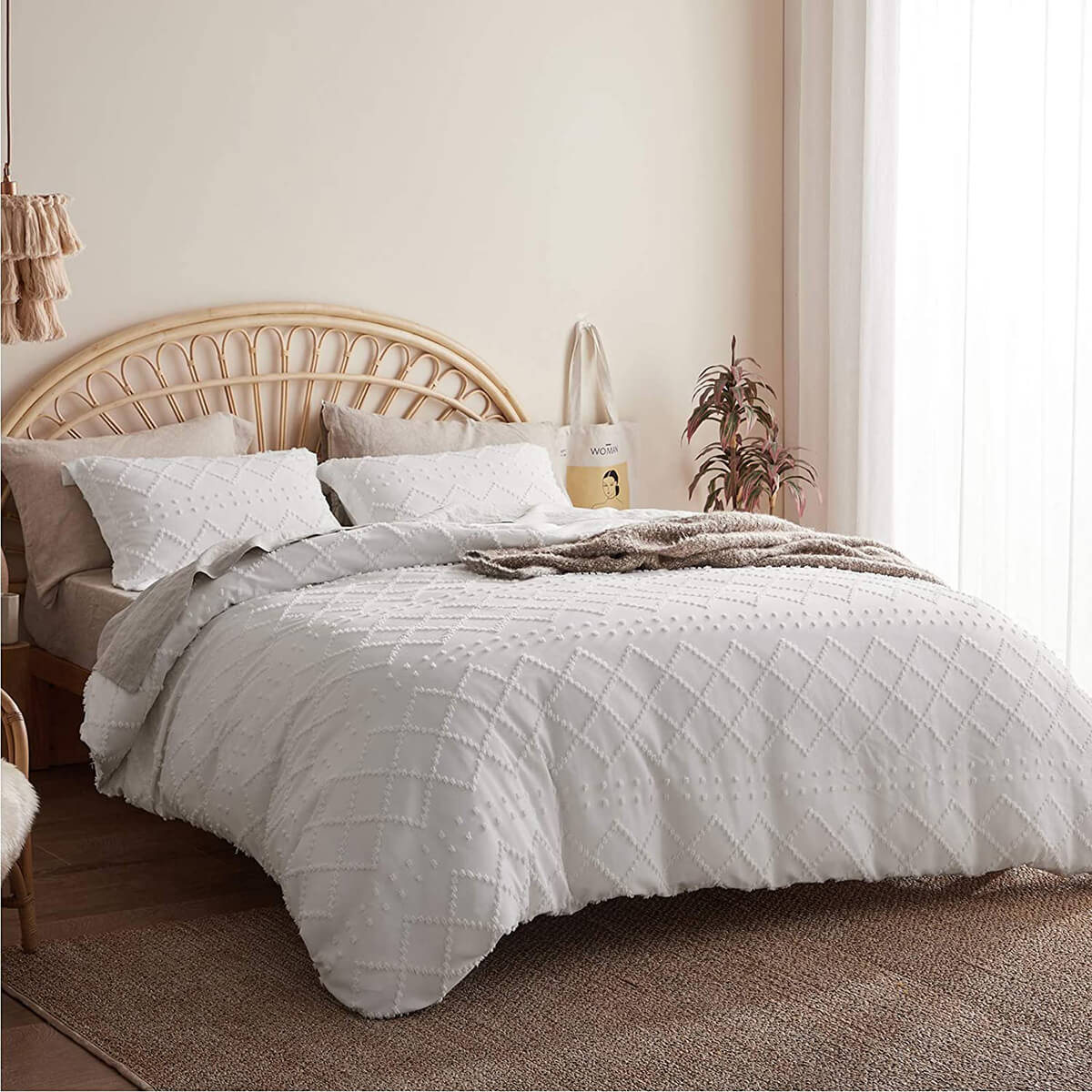 Delicate and Detailed Tufted Duvet