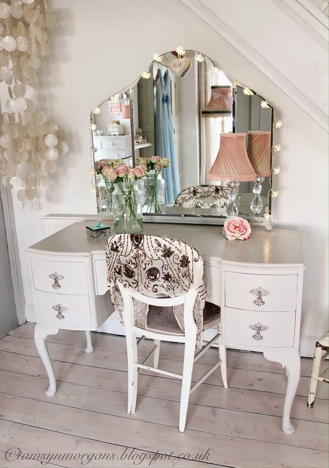 Fairy Lights Vanity Mirror Display
